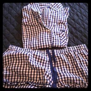 Victoria's Secret 2 piece sleep set 3/4 sleeve